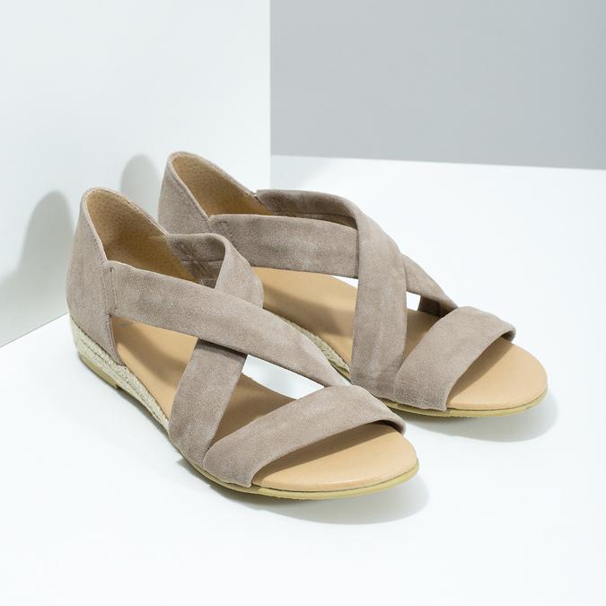 Kožené sandály na klínku bata, hnědá, 563-4600 - 26