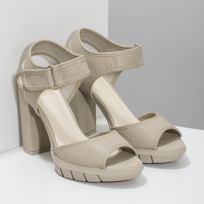 Sandály na masivním podpatku flexible, béžová, 761-2616 - 26