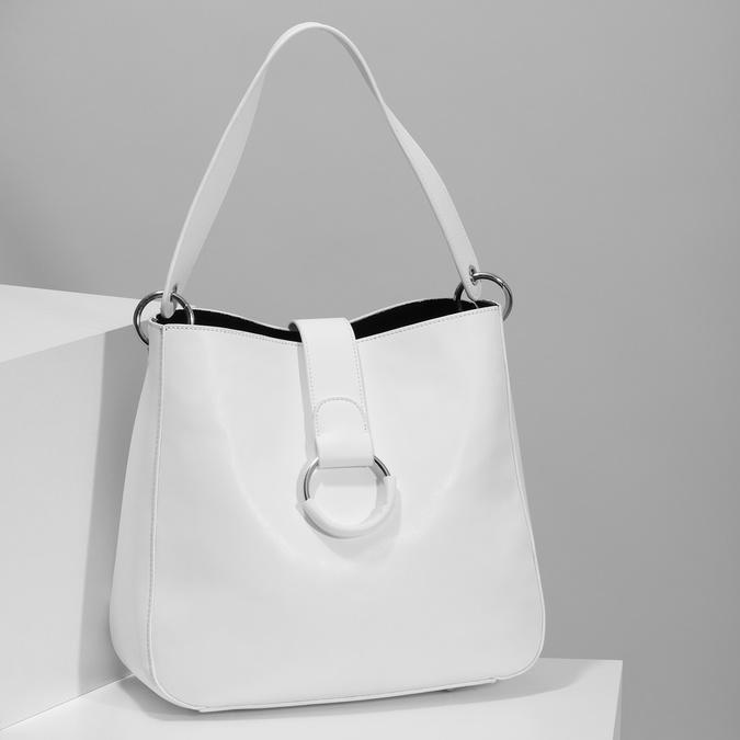 Bílá kabelka s kulatou sponou bata, bílá, 961-1931 - 17