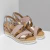 Zlaté kožené sandály na vzorované platformě gabor, zlatá, 765-8600 - 26