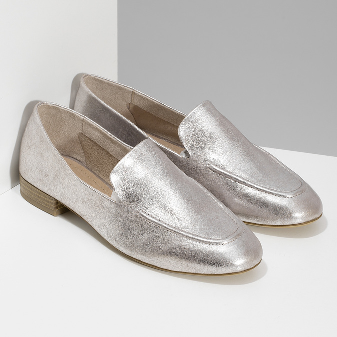 Dámské stříbrné kožené mokasíny bata, stříbrná, 518-5605 - 26