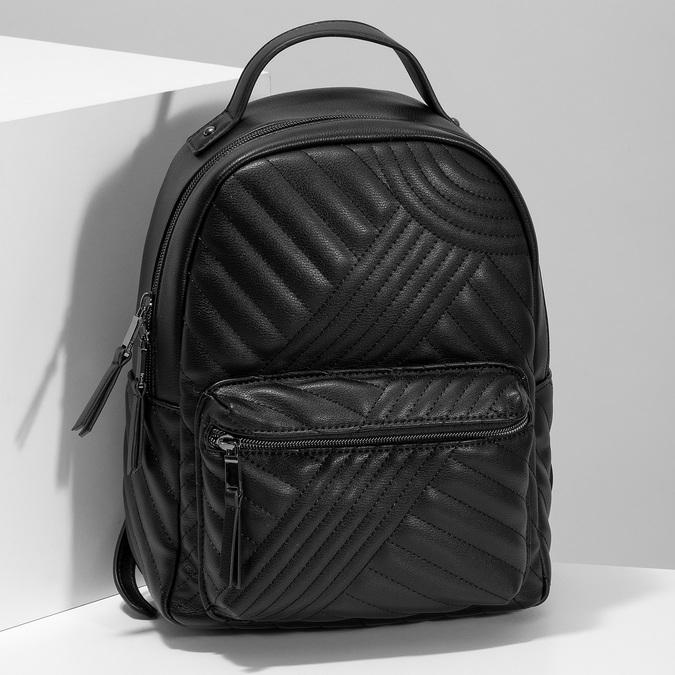 Dámský černý batoh s prošitím bata, černá, 961-6996 - 17